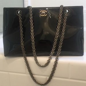 Auth CHANEL Patent Leather Chain Shoulder Bag